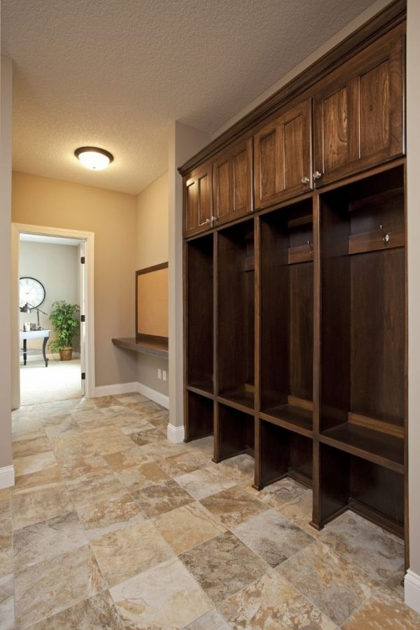 Tips 17 Best Ideas About Mud Room Lockers On Medium