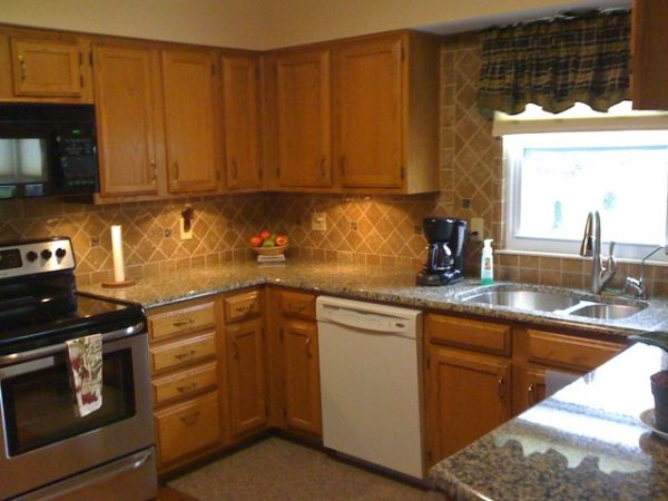 Best Granite Countertops And Tile Backsplash Ideas Eclectic Medium