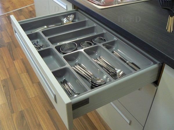Example Of A Quality Plastic Cutlery Trays Kitchen Drawers Blum Medium