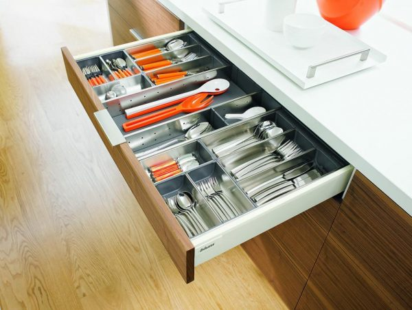 Top Choosing Kitchen Drawer Inserts Medium