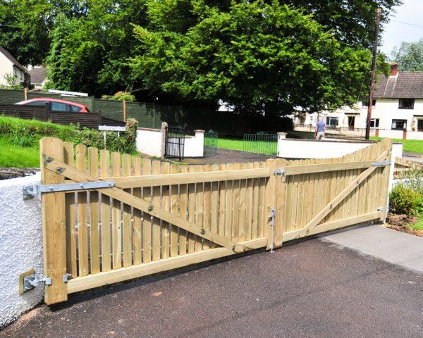 Collection Redwood Driveway Gatesthe Wooden Workshopoakford Devon Medium