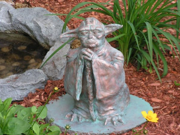 Creative Whoops I Think I Broke It Project Yoda Garden Statue Medium