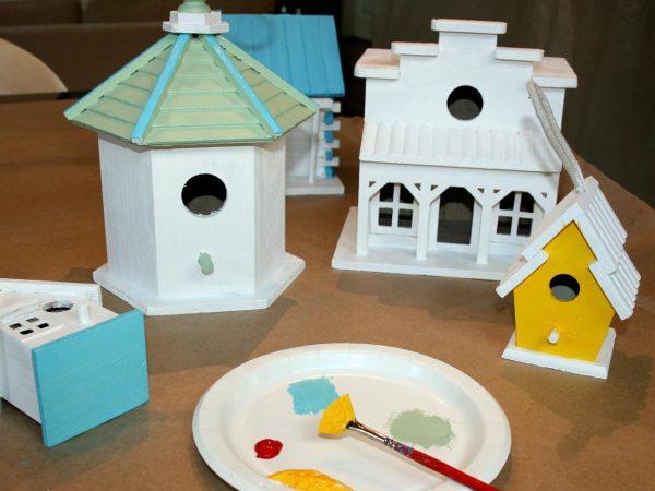 Innovative Decorate A Fence With Birdhouseshowtosdiy Medium