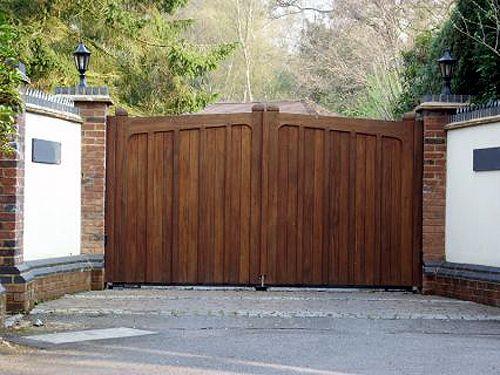 Inspirational Best 25  Wooden Driveway Gates Ideas On Medium