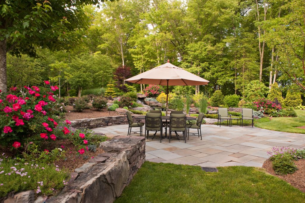 our favorite backyard patio design ideas to accompany your tea time