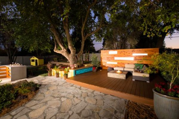 Our Favorite Eight Backyard Makeovers From Diy Networks Yard Crashers Medium