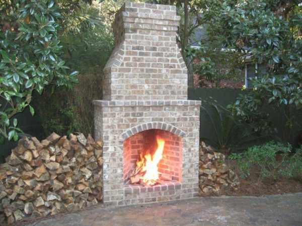 We Share Exterior Engaging Image Of Light Brown Old Brick Masonry Medium