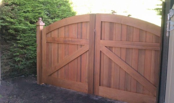 We Share Wooden Driveway Gate Traditional Exterior San Medium