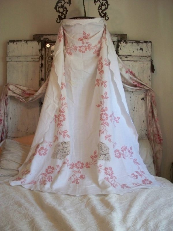 Bore Best Shabby Chic Large Vintage Tablecloth Linen Pretty Pink Medium