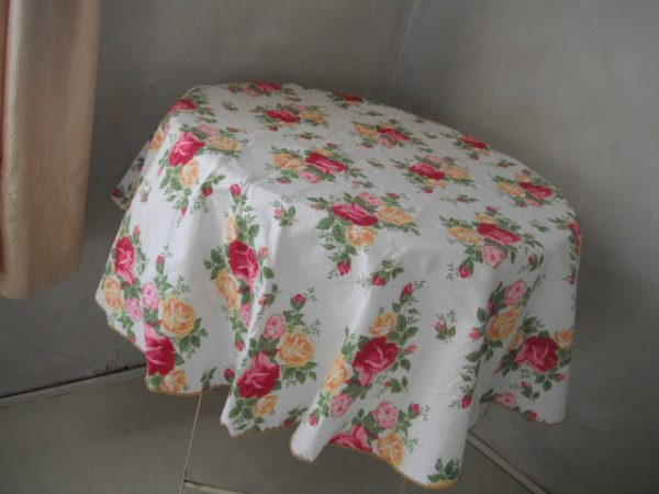 Bore Round Tablecloth Shabby Chic Roses Tablecloth Fuscia And Medium