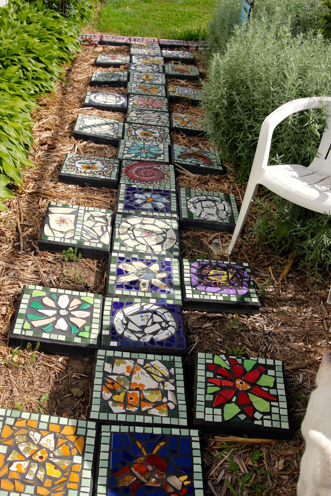 Clever Decorative Stepping Stones That Will Blow Your Mind