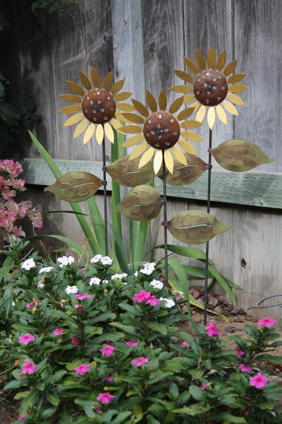 Popular Trio Of Metal Sunflowers Hand Made Decorative Garden Art Medium