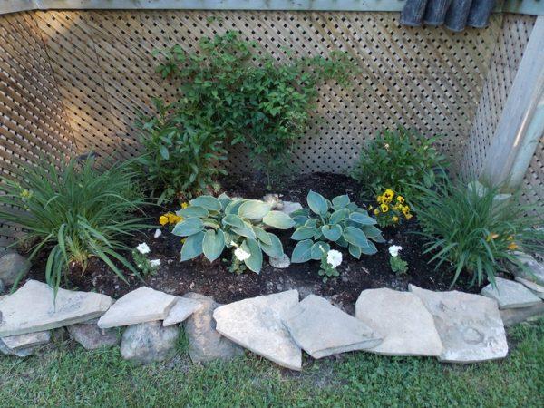 40+ Heartwarming Memorial Garden Ideas ~ pelaburemasperak.com