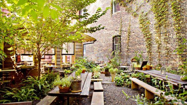Best Nyc Garden Restaurants Dining In A Secret Oasisam New York Medium