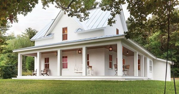 Clever 25  Best Ideas About Country Farmhouse Exterior On Medium