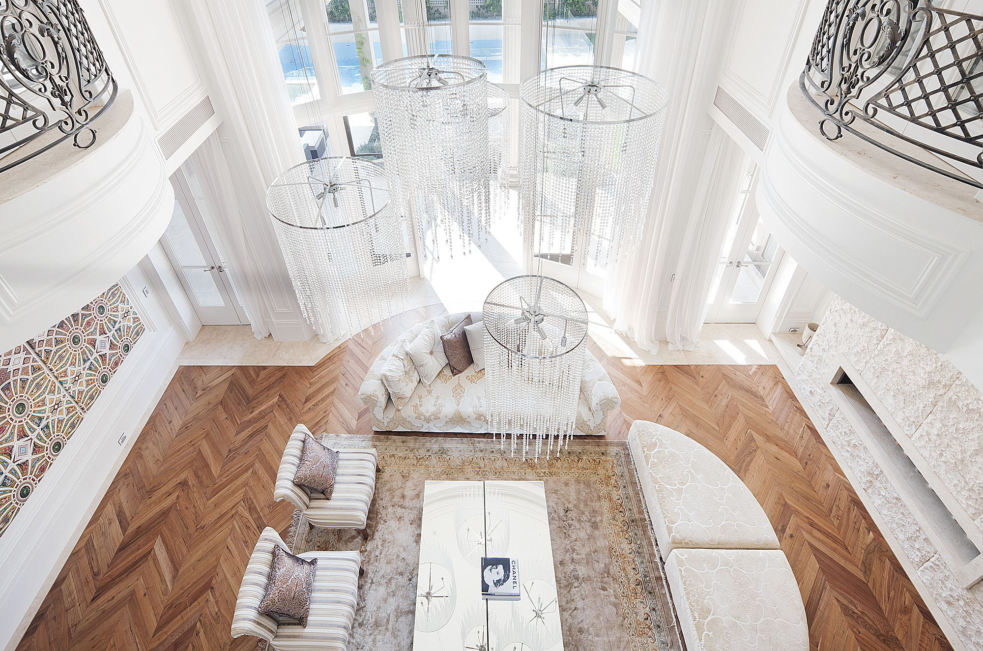 clever french neoclassical interior design by studiomint