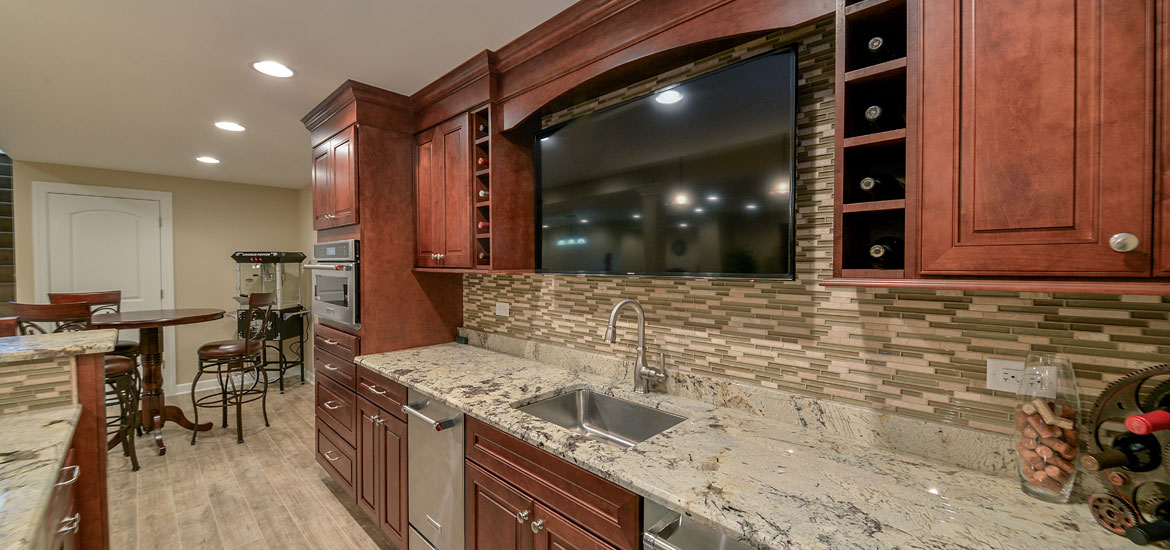 example of a 8 top trends in basement wet bar design for 2017home