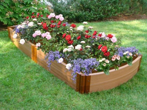 Example Of A Garden Bed Ideas On Frontyard And Backyard Homescornercom Medium