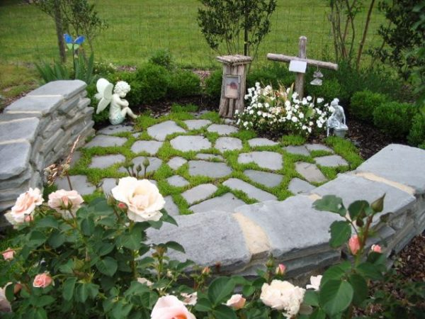 Fresh 25  Best Ideas About Memorial Gardens On Tree Medium