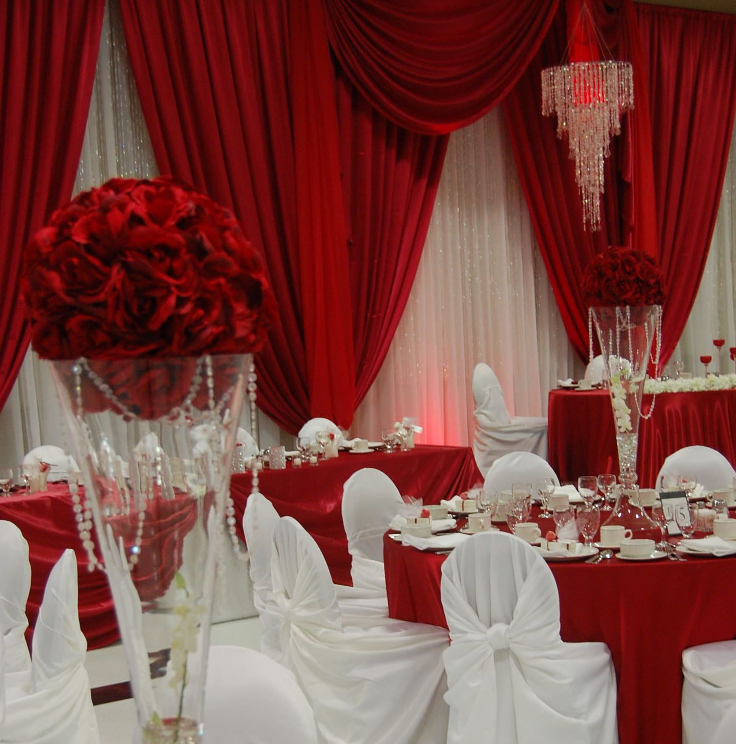 get best 25  red and white wedding decorations ideas on