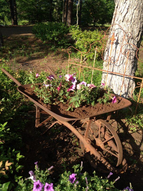 Looking Junkin It Garden Stylemaking Dreams Into Decor Medium