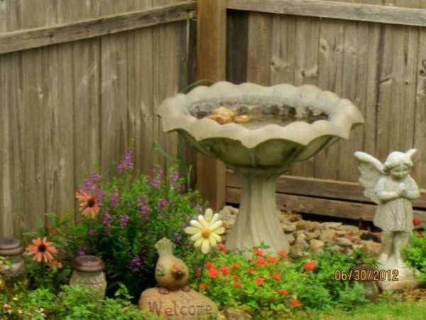 Our Favorite 22 Astonishing Corner Garden Ideas Snapshot Inspirational Medium