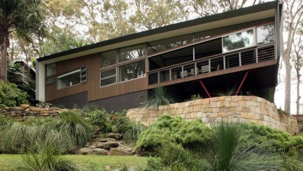 Our Favorite Creative Solutions For Building On Sloping Blocks Medium