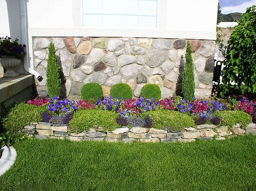 Our Favorite Small Yard Landscape Dry Climate Formal Landscape Design Medium