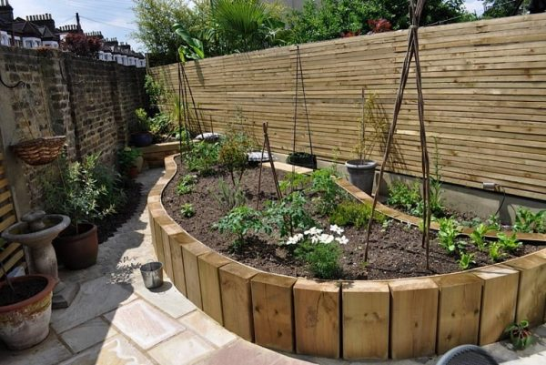 Our Favorite Triangular Edible Garden Garden Design London Medium
