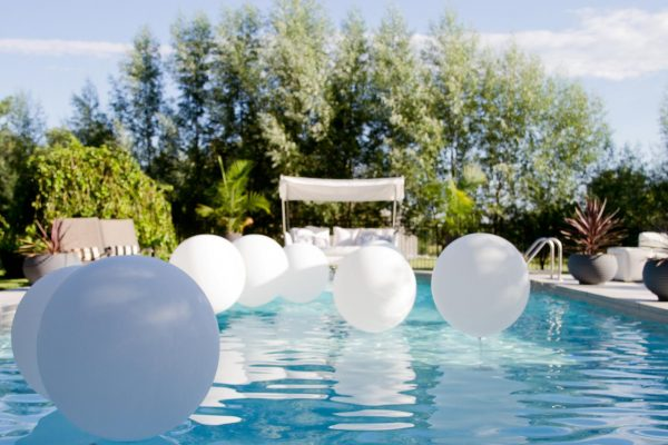 Perfect 10 Themed Pool Party Ideas For Summerhgtvs Decorating Medium