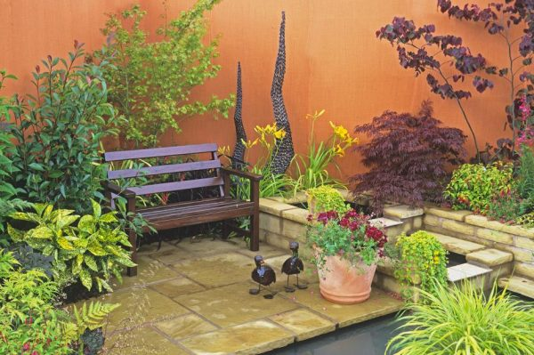 Style 30 Stylish But Simple Small Garden Ideaslovepropertycom Medium
