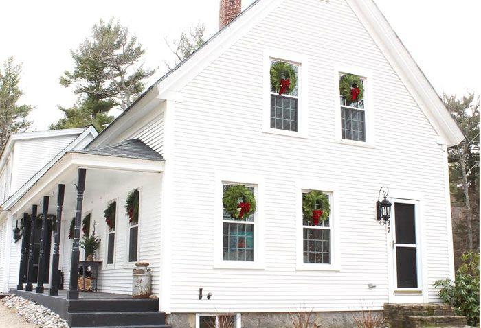 top characteristics of a modern farmhouse exteriordiy