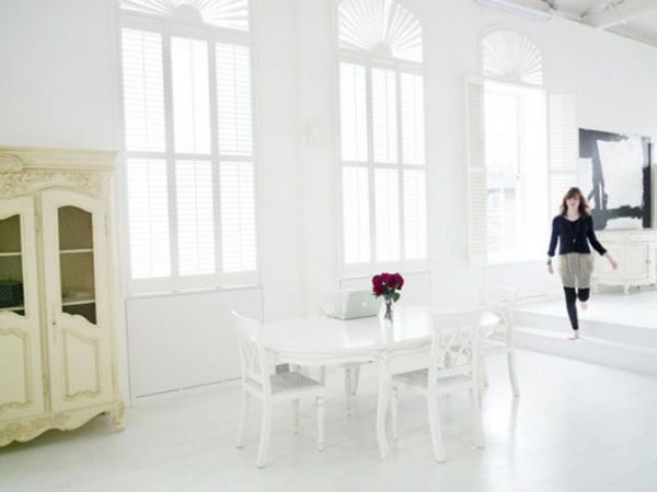 We Share Bright White Minimalist Interior Designlisamuaniez Medium