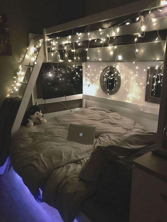 Beautifull Holiday Beddroom Decorating Ideas With Lights Ad3 Medium