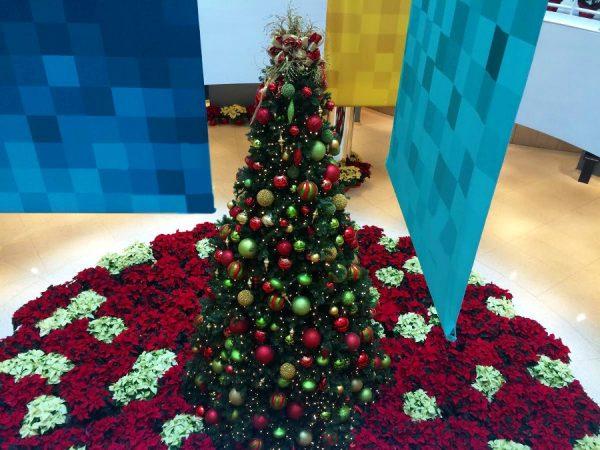 ChristmasDoorDecorations44 Medium