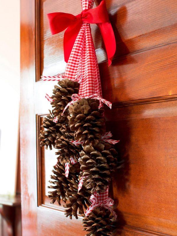 ChristmasDoorDecorations64 Medium