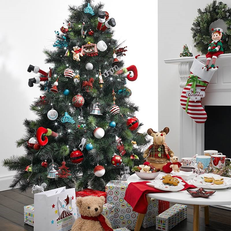 decorated christmas trees 186