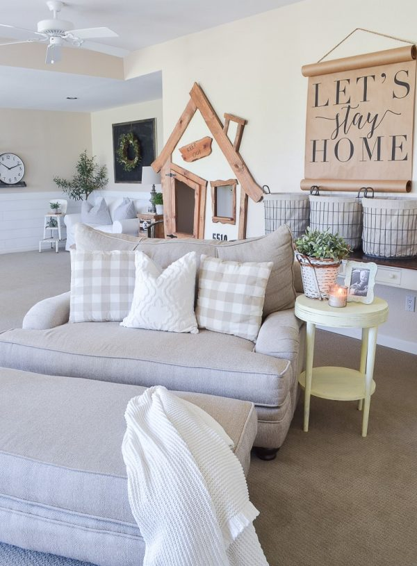 FarmhouseStyleLivingRoomDecorIdeas42 Medium