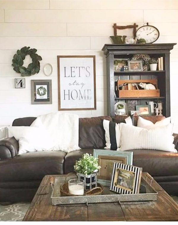 FarmhouseStyleLivingRoomDecorIdeas8 Medium