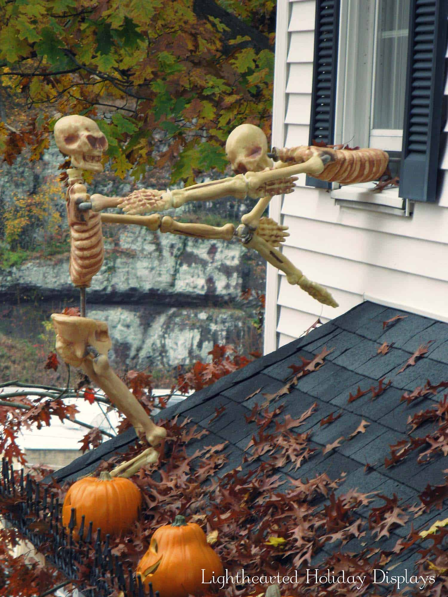 bore 21 incredibly creepy outdoor decorating ideas for halloween