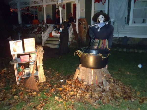Collection Spooky Outdoor Decorations For The Halloween Night Medium