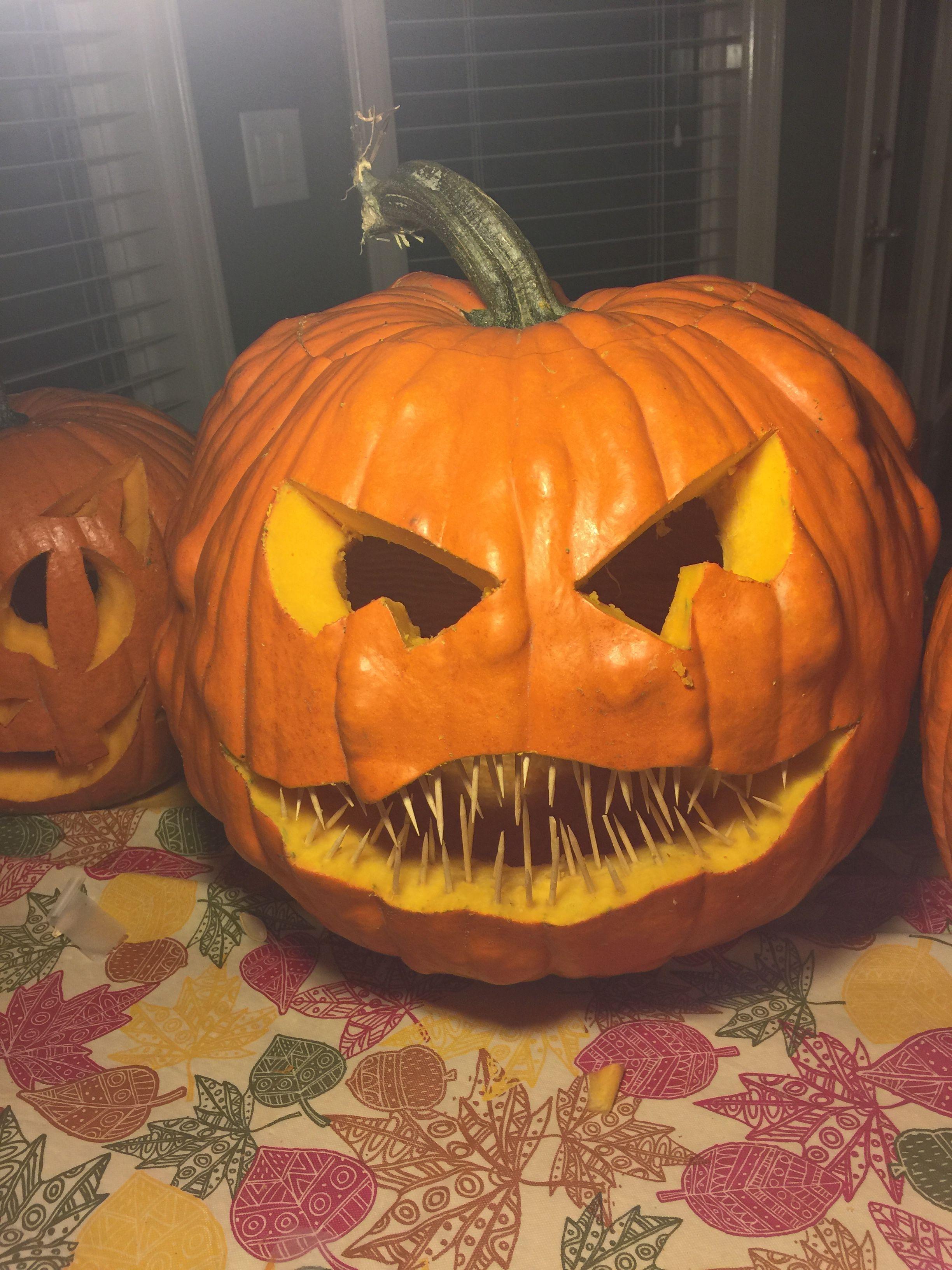 creative easy pumpkin carving idea with toothpicks creative