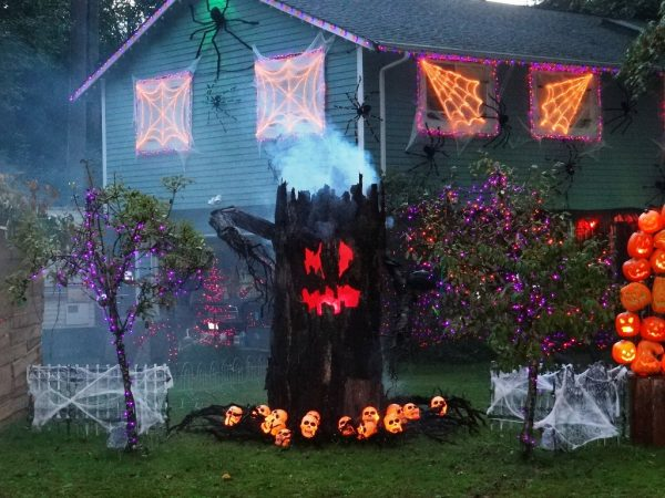 Inspiration 24 Indoor   Outdoor Tree Halloween Decorations Ideas Medium