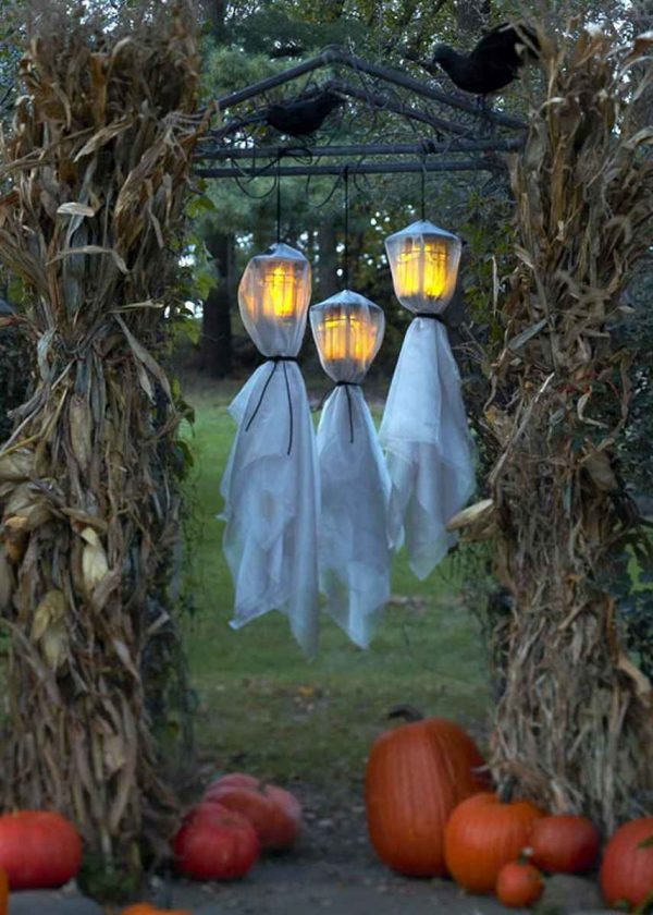 Simply 48 Creepy Outdoor Halloween Decoration Ideas