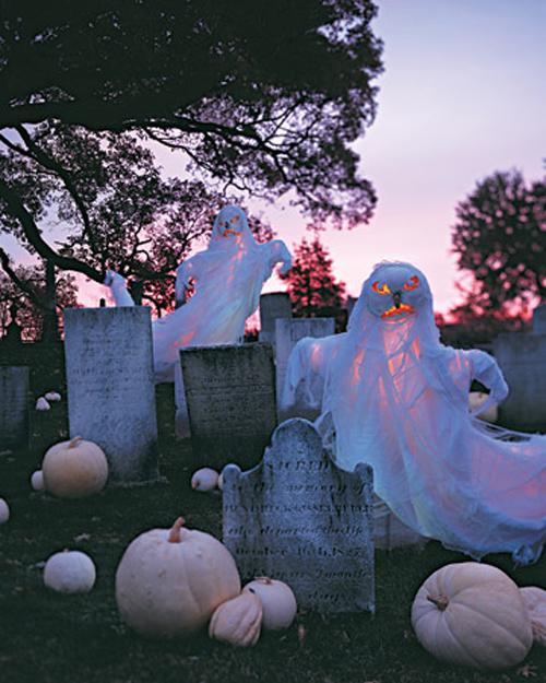 Simply 48 Creepy Outdoor Halloween Decoration Ideas Medium