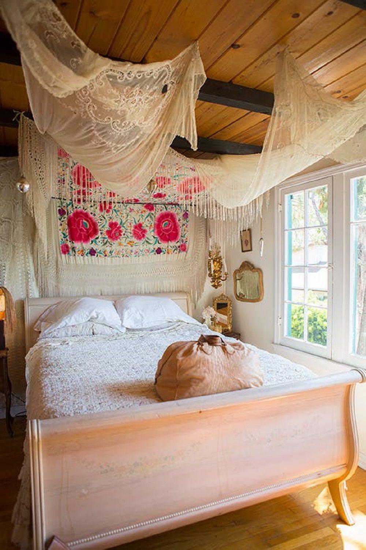 boho bedroom decorating ideas 39