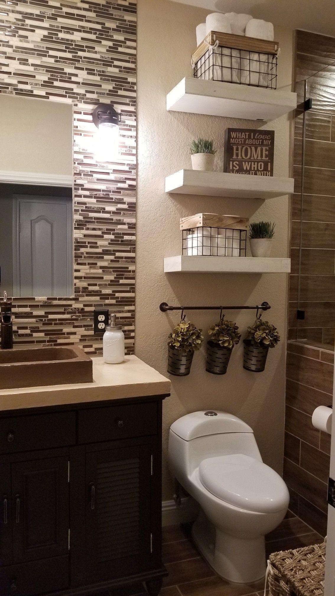 farmhouse bathroom design 13