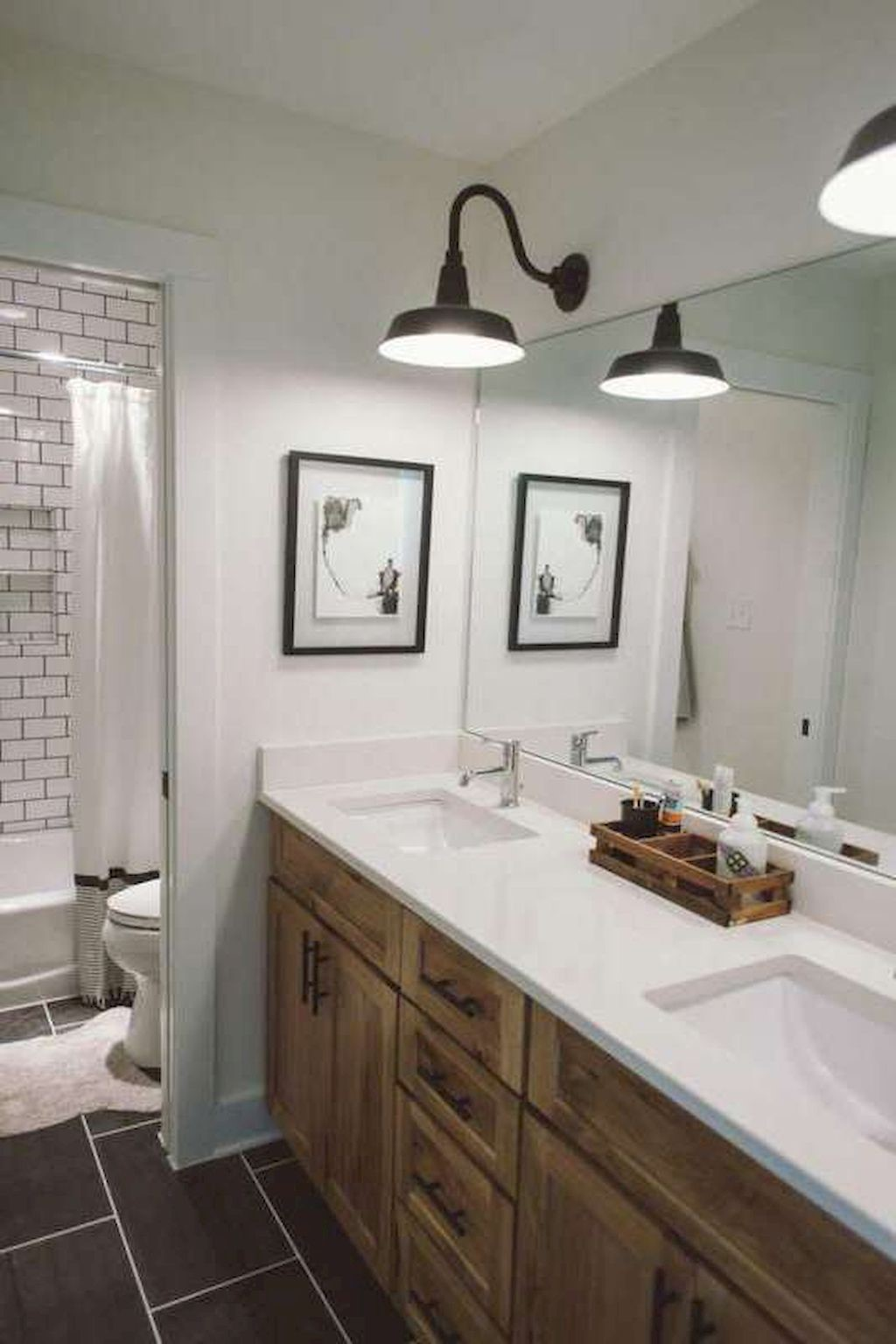 farmhouse bathroom design 17