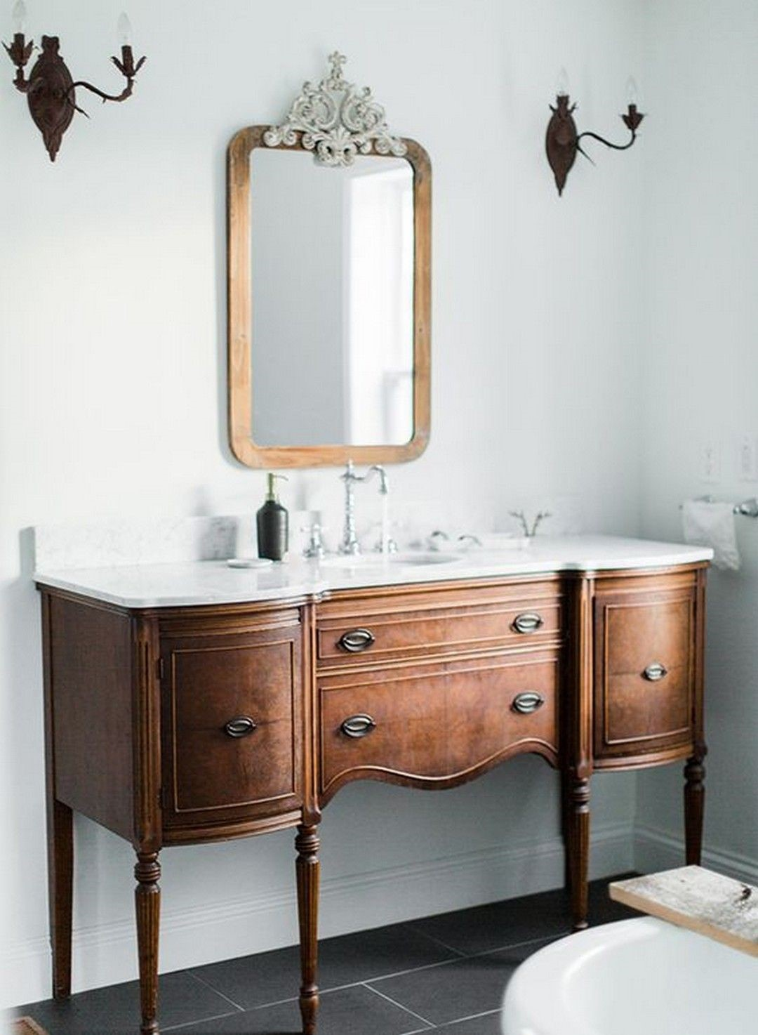 farmhouse bathroom design 44